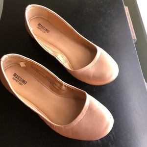 Mossimo Supply Co nude/pink flats
